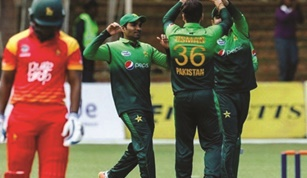 Pakistan White Washes Zimbabwe in ODI Series