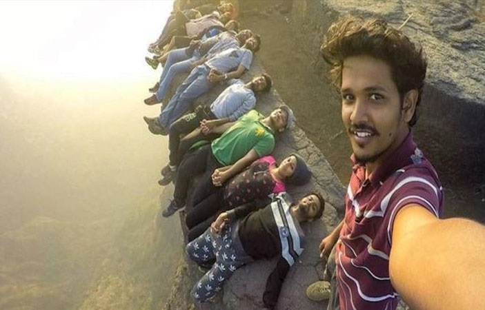 First Research Paper on Selfie Deaths written by Pakistan
