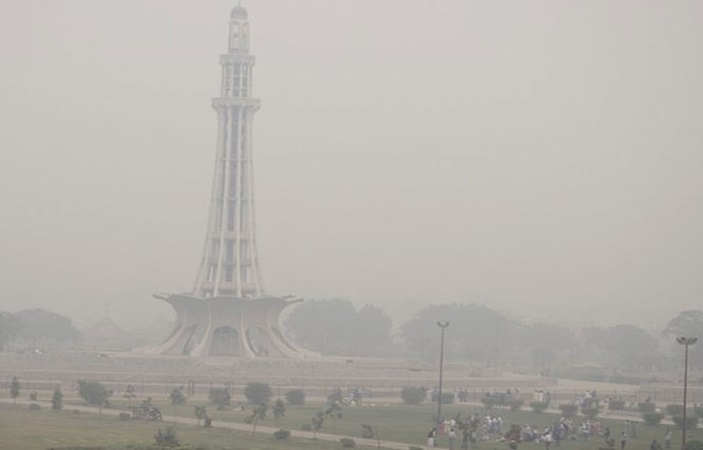 Smog Returns to Lahore !