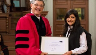 Oxford University academic award wins Pakistani women