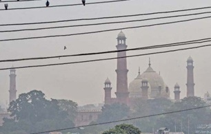 Schools will be closed for two days as SMOG takes over Punjab